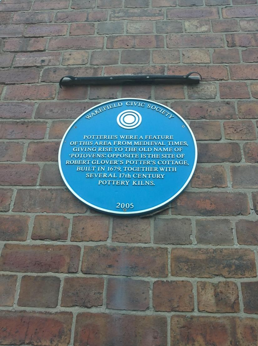 Potteries plaque on the side of the New Pot Oil pub - nice find, but incorrect